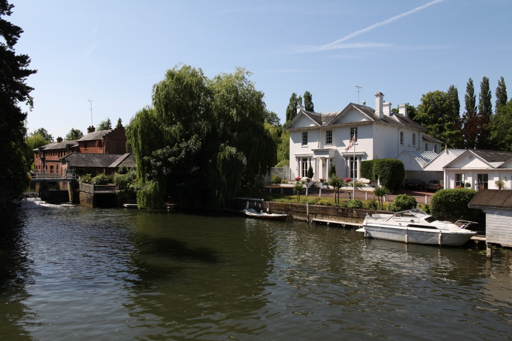 Houses Off Mill Lane Henley On Thames By Edward Lever At