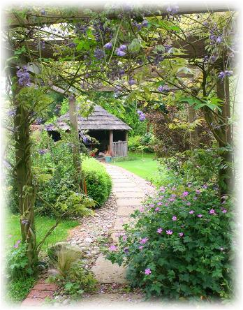 Flowers House Bed & Breakfast in Woughton on the Green, Buckinghamshire, England