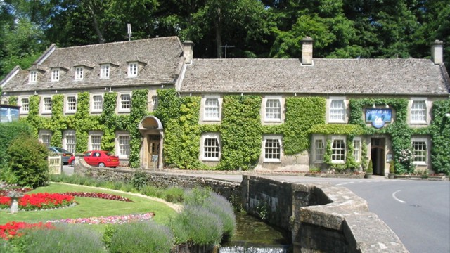 Stay in the charming Cotswolds..